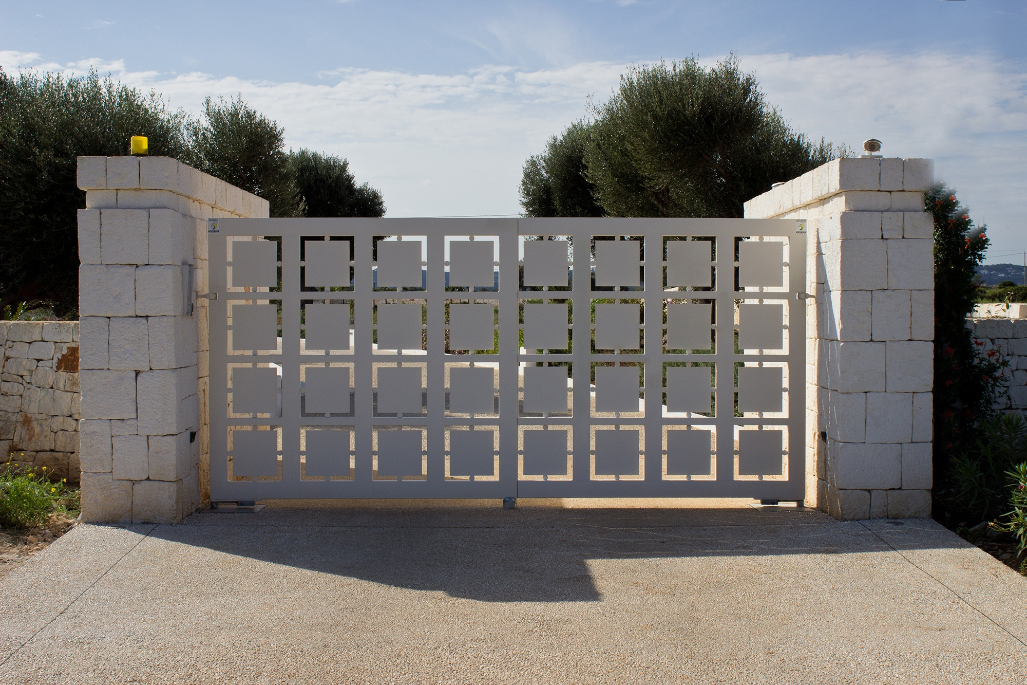 Flore - casa Michele - cancello ingresso